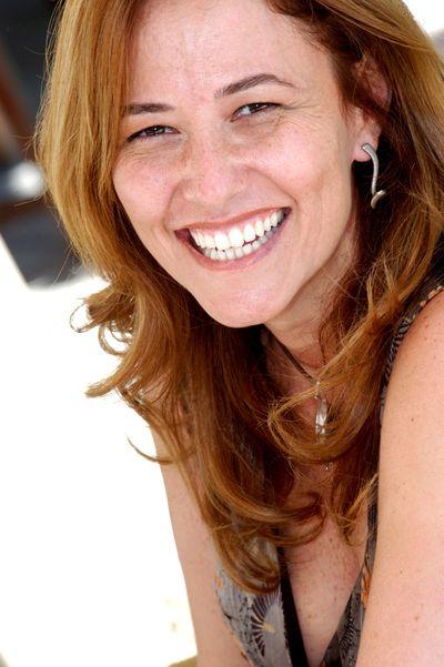 Renata Podolski by Carlos Bassan