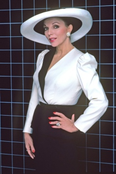 Joan Collins (Alexis Carrington) em Dinastia (1981-1989) (1)