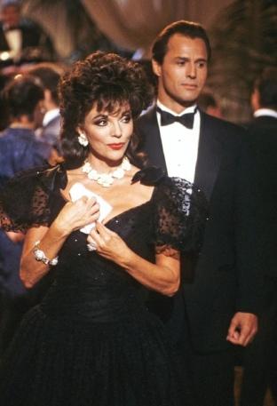 Joan Collins (Alexis Carrington) em Dinastia (1981-1989) (4)