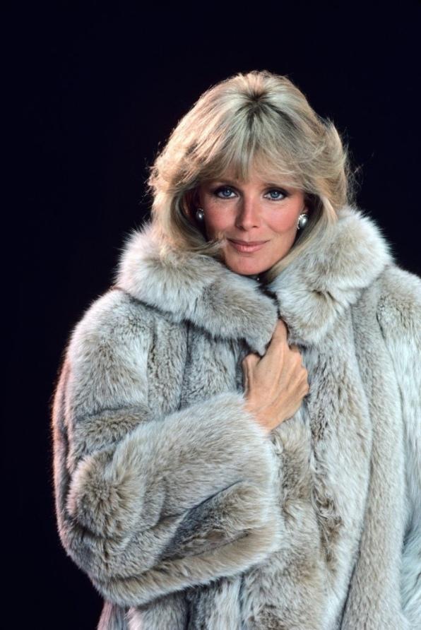 Linda Evans (Krystle Carrington) em Dinastia (1981-1989) (2)