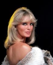 Linda Evans (Krystle Carrington) em Dinastia (1981-1989) (3)