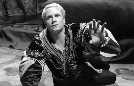 1948 Hamlet - Primeiro Oscar de Figurinos (PB)