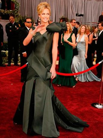 Charlize Theron Oscar 2006