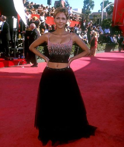 halle-berry emmy 1999