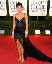 Halle Berry Golden Globe 2011