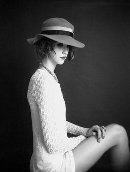 Blusa e acessórios Maria Filó | Chapéu acervo
