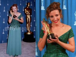 Oscar 1993 Emma Thompson (Retorno a Howard's End) veste Caroline Charlie @ Getty