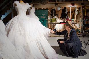 Eiko Ishioka e os figurinos de Espelho, Espelho Meu