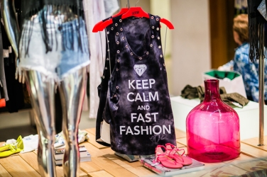 Fast Fashion (1)