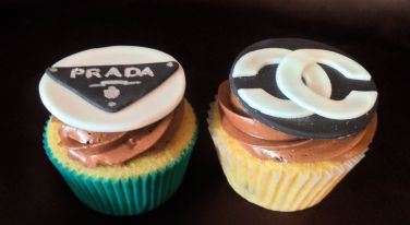 Prada-and-Chanel-Cupcakes