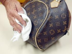 Limpeza bolsa couro