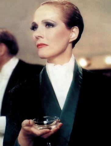 1934 Victor Victoria (1982) (6)