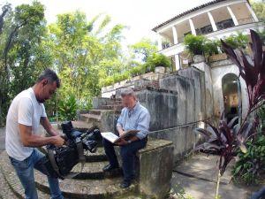 Cinegrafista da EPTV faz imagens de João Cândido, filho de Portinari @ Divulgação EPTV