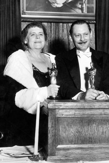 Oscar 1932 Marie Dressler (Lírio do Lodo) @ Oscar.org