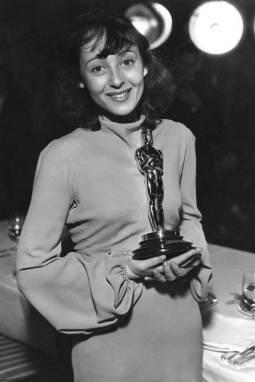 Oscar 1938 Luise Rainer (Terra de Deuses) @ AP