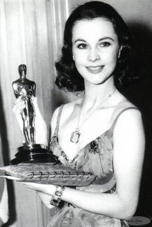 Oscar 1940 Vivien Leigh (... E O Vento Levou) veste Irene Gibbons @ AP
