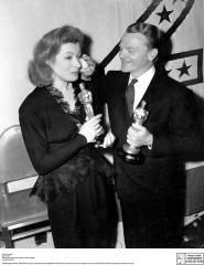 Oscar 1943 Greer Garson (A Rosa da Esperança) @ AP