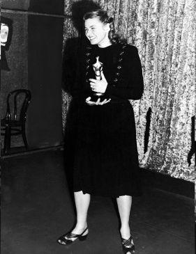Oscar 1945 Ingrid Bergman (À Meia-Luz) @ AP