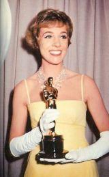 Oscar 1965 Julie Andrews (Mary Poppins) @ AP