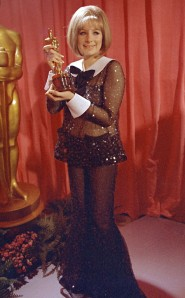 Oscar 1969 Barbra Streisand (Funny Girl) veste Arnold Scaasi @ AP Photo