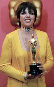 Oscar 1973 Liza Minnelli (Cabaret) veste Halston @ AP Photo