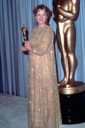 Oscar 1983 Meryl Streep (A Escolha de Sofia) veste Christian Leigh @ Getty