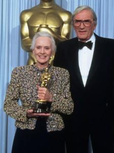Oscar 1990 Jessica Tandy (Conduzindo Miss Daysi) veste Giorgio Armani @ Getty