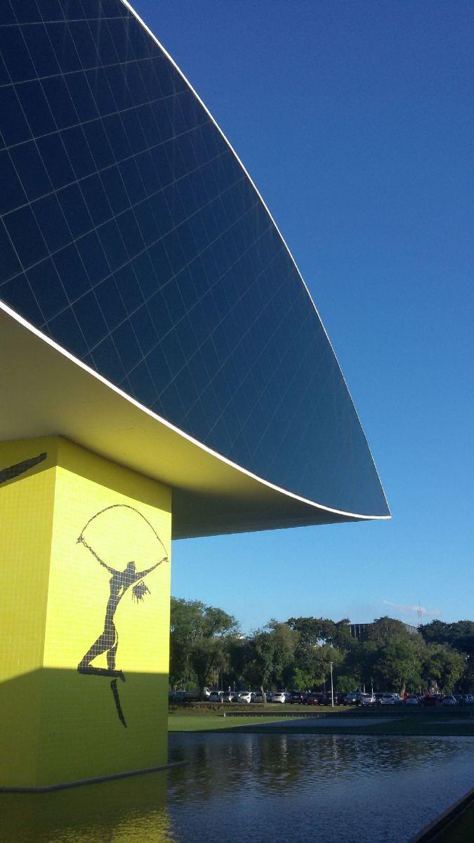 O verdadeiro conceito do Museu Oscar Niemeyer em Curitiba