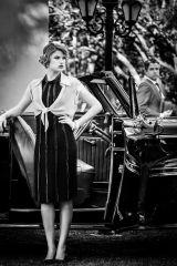 ela usa vestido Pedro Lourenço e bolero Martha Medeiros por Helena Bordon (KÉR UNIQUE LIFE), brinco, pulseira e anel FERNANDA DE PAULA | ele ACERVO