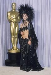 1986 Cher Oscars @ Getty