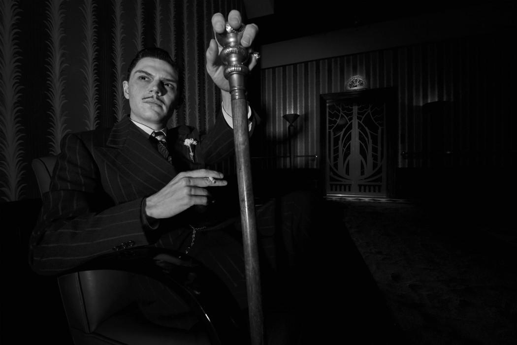 Evans Peters como James Patrick March em American Horror Story Hotel (2015) @ divulgação