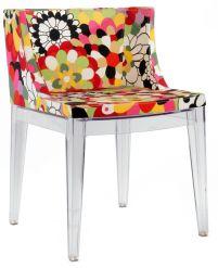 Phillippe Starck assina a cadeira Mademoiselle para Kartell @ Divulgação