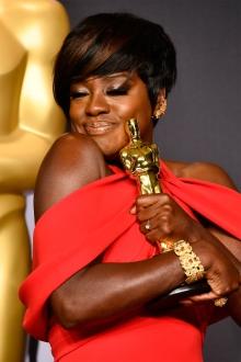 Oscar 2017 Viola Davis usa Armani Privé @ Frazer Harrison/Getty Images