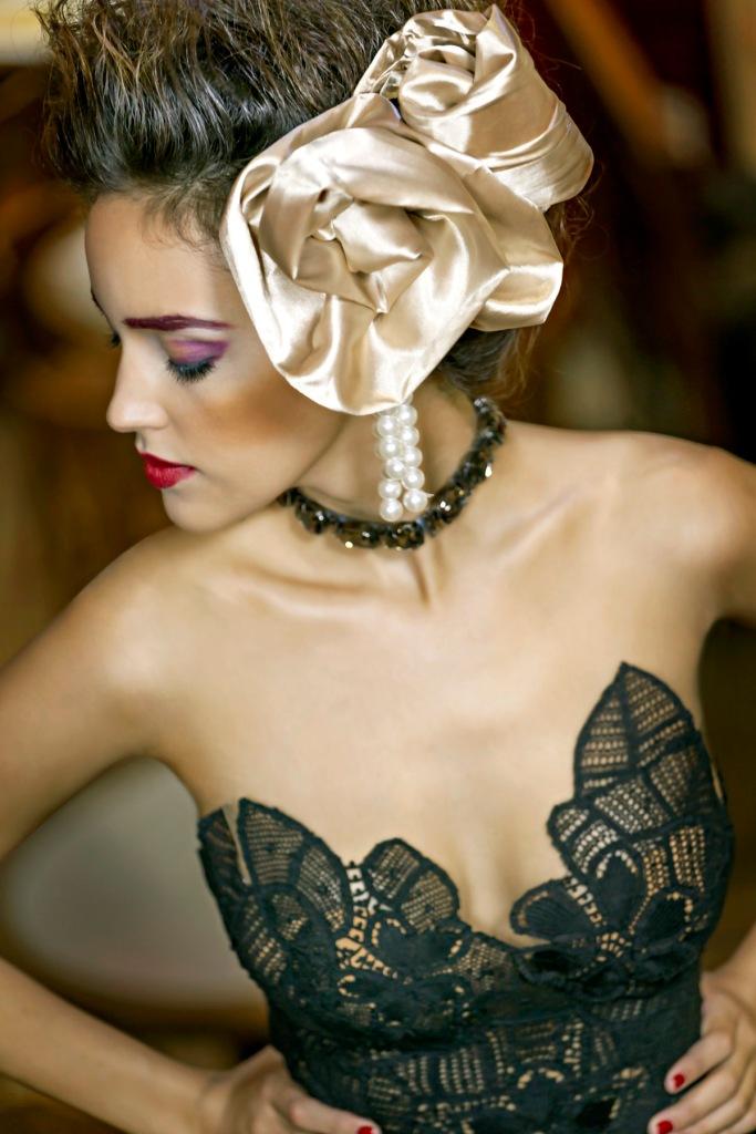 vestido Martha Medeiros, cinto usado como colar IODICE KĒR)