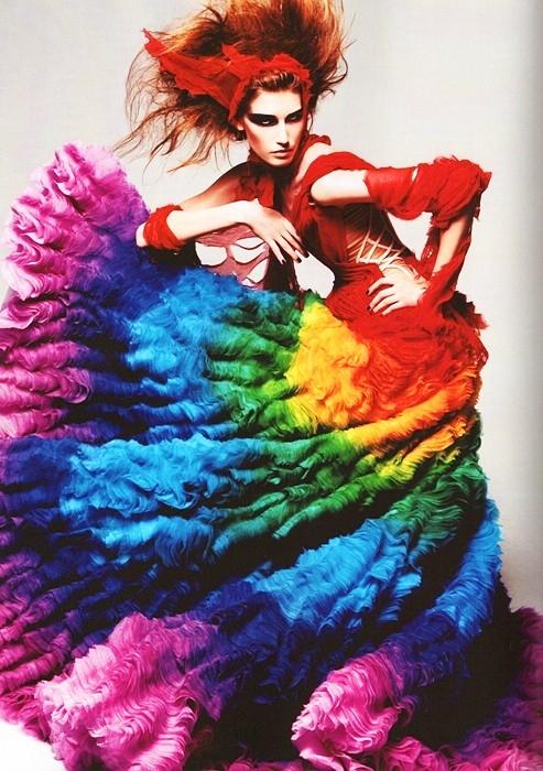 Rainbow Dress @ Reprodução