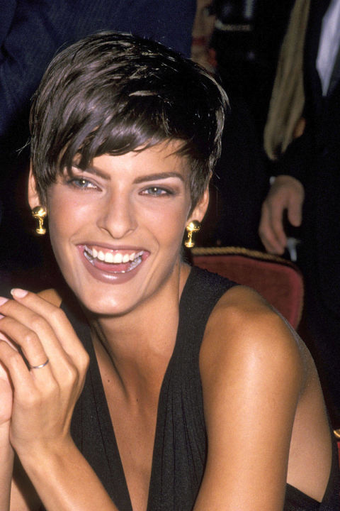 Linda Evangelista, 1989, Pixie Cut @ Getty Images