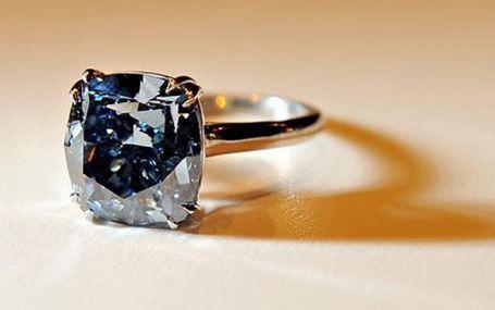 anel-diamante-azul-perfeito