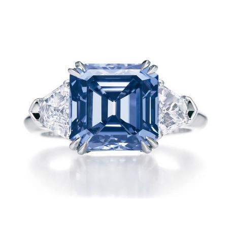 anel-diamante-azul-vivido
