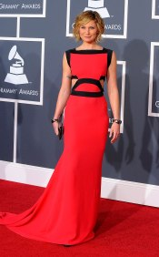 Grammy 2010 Jennifer Neetles veste Victoria Beckham @ Getty