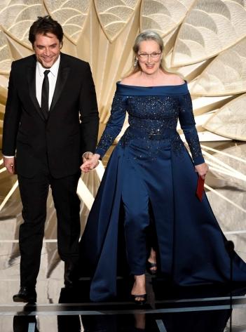 Oscar 2017 Javier Barden e Meryl Streep (Elie Saab Couture) @ AP