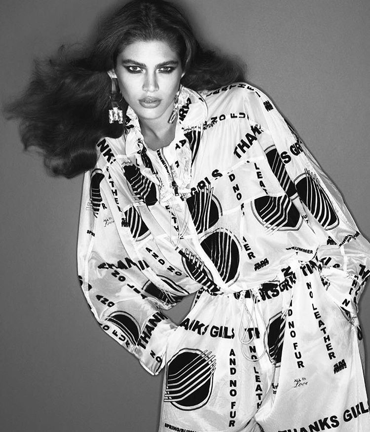 valentina-sampaio-vogue-paris-marco-2017-mert-alas-and-marcus-piggott-6