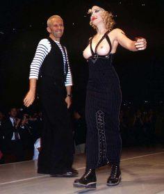 Madonna no desfile de Jean Paul Gaultier em 1992 @ Getty