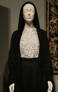 MET 2018 Heavenly Bodies- Fashion and the Catholic Imagination @ Getty (16)