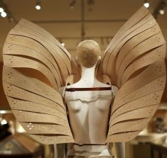 MET 2018 Heavenly Bodies- Fashion and the Catholic Imagination @ Getty (4)