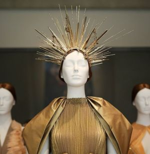 MET 2018 Heavenly Bodies- Fashion and the Catholic Imagination @ Getty (7)