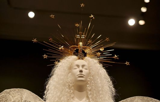 MET 2018 Heavenly Bodies- Fashion and the Catholic Imagination @ Getty (8)