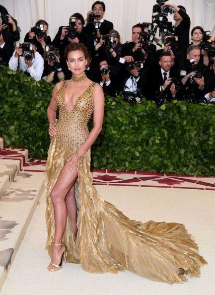 MET Gala 2018 Irina Shayk usa Versace