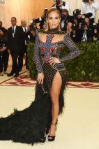 MET Gala 2018 Jennifer Lopez usa Balmain @ Getty