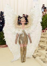 MET Gala 2018 Katy Perry usa Versace @ Getty