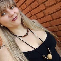 Cris Soutelo usa colar Foi o Jorge Que Fez @ Cris Soutelo